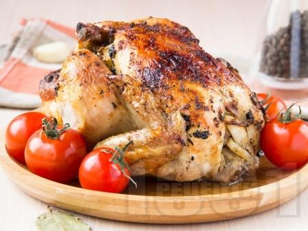 Пълнено цяло пиле с картофи и подправки - снимка на рецептата